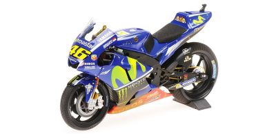 MINICHAMPS 1/12scale YAMAHA YZR-M1 – VALENTINO ROSSI – W/ RAIN TYRES & DIRTY LOOK – MALAYSIA GP MOTOGP 2017  [No.122173346]