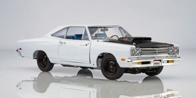 AMERICAN MUSCLE 1/18scale 1969.5 Primus Road Runner Post Coupe (Hemmings Muscle) White  [No.AMM1147]