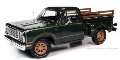 AMERICAN MUSCLE 1/18scale 1977 Dodge Pickup Side Step Warlock Green Sunfire  [No.AMM1243]