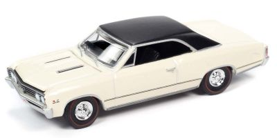 AUTO WORLD 1/64scale 1967 Chevy Chevelle Capri Cream / Flat Black  [No.AW64272B5W]