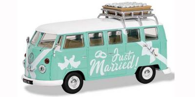 "CORGI 1/43scale VW Camper Van ""Just Married""  [No.CGCC02737]"
