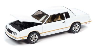 JOHNNY LIGHTNING 1/64scale 1987 Chevy Monte Carlo SS White / Gold Stripe  [No.JLCG022A4W]