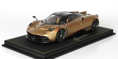 BBR 1/18scale Pagani Dinastia 2015 Gold/Carbon fiber with case [No.P18126B]