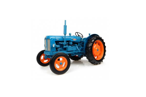 UNIVERSAL HOBBIES 1/16scale Fordson Power Major   [No.E2640]