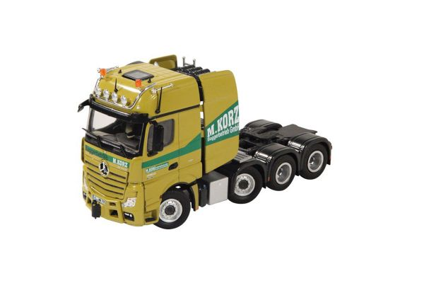 NZG 1/50scale Mercedes-Benz Actros Giga space SLT
