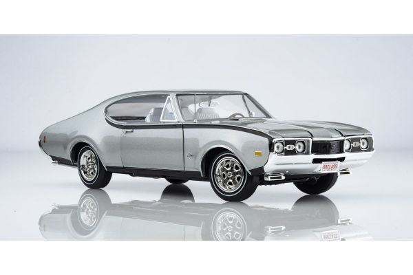 AMERICAN MUSCLE 1/18scale 1968 Olds Cutlass Hurst (50th Anniversary) Peruvian Silver  [No.AMM1143]