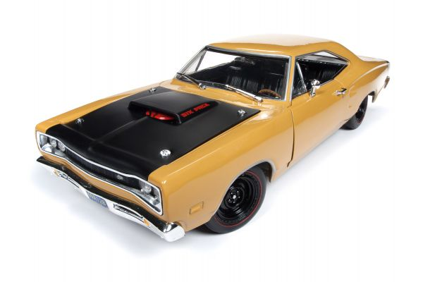 AMERICAN MUSCLE 1/18scale 1969.5 Dodge Super Bee (Class of 69) Butterscotch Brown  [No.AMM1172]