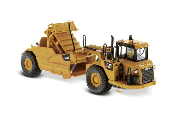 DIECAST MASTERS 1/50scale Cat 613G wheel tractor scraper  [No.DM85235H]