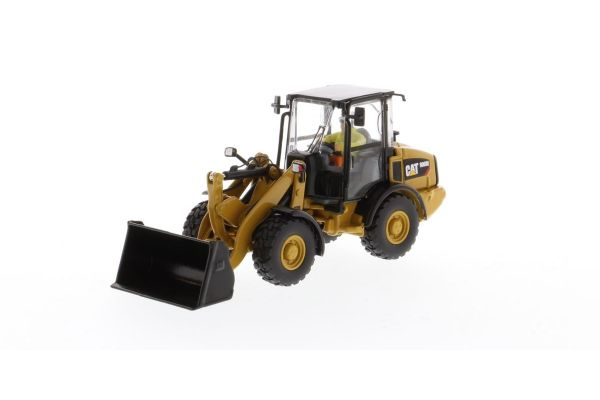 DIECAST MASTERS 1/50scale CAT 906M Compact Wheel Loader [No.DM85557H]