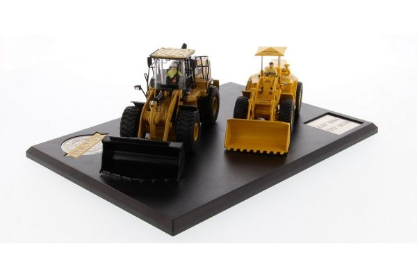 DIECAST MASTERS 1/50scale Evolution Series Cat 966A Wheel Loader & 966M Wheel Loader (2-Car Set) with booklet (44P)  [No.DM85558]