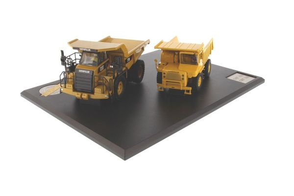 DIECAST MASTERS 1/50scale Cat Off-Highway Truck Evolution Series SET  [No.DM85562]