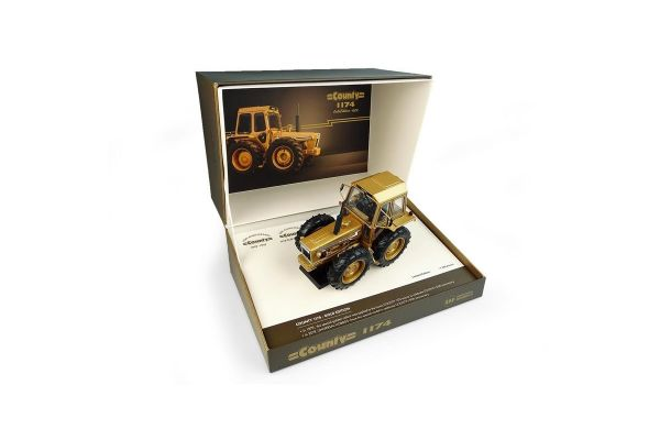 UNIVERSAL HOBBIES 1/32scale Ford County 1174 gold Edition County 50th Anniversary 1929-1979 Limited Edition  [No.E6211]