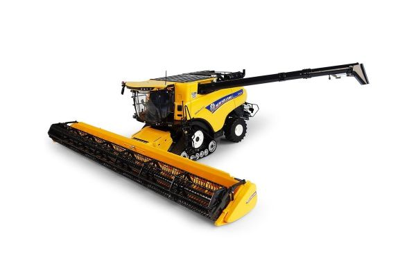 UNIVERSAL HOBBIES 1/32scale New Holland CR10.90