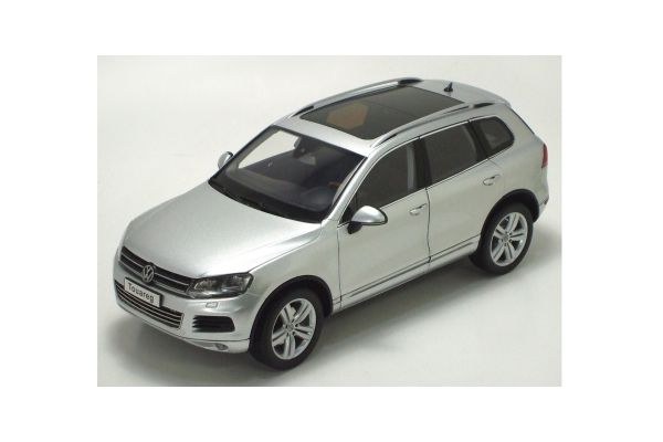 KYOSHO 1/18scale Volkswagen Touareg 2010 TSI Cool silver metallic [No.K08822CS]