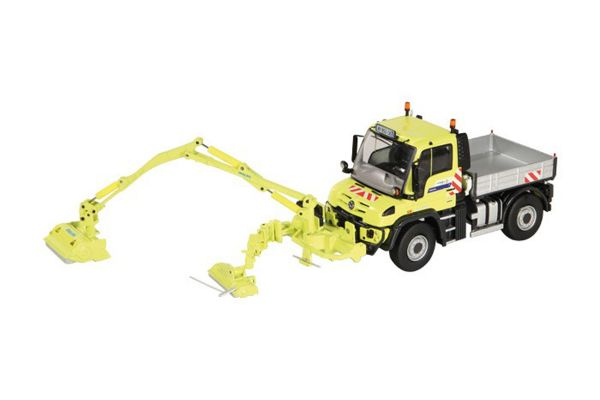 NZG 1/50scale Mercedes-Benz Unimog UGE400 Mulag MKM 700 combination lawn mowers
