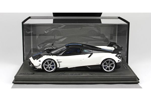 BBR 1/18scale Pagani Huayra BC 2016 Pearl White / Carbon with Case [No.P18128BV]