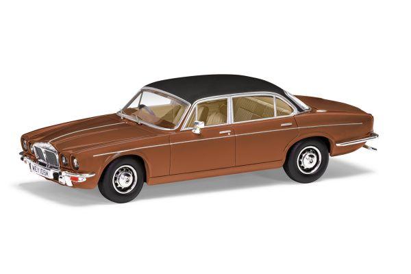 CORGI 1/43scale Daimler Double 6 Series 2 Vanden Plas (Caramel Brown)  [No.CGVA13900]