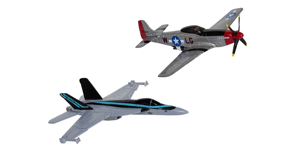 Maverick's F/A-18 Hornet™ and P-51D Mustang™ (Top Gun Maverick, 2020)